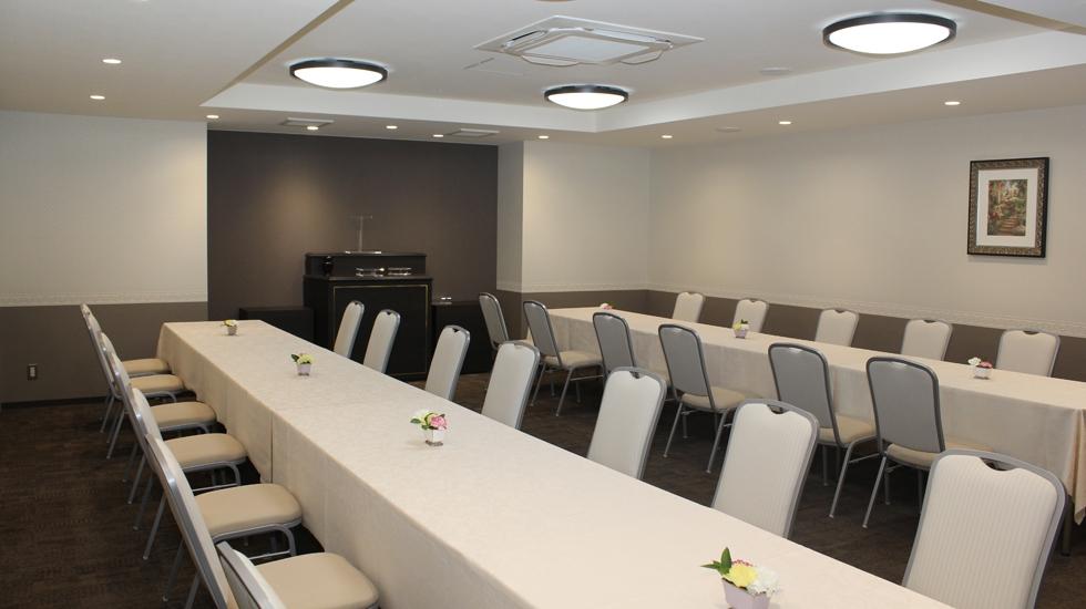 北大阪祭典の会食室の写真。初七日法要などに使用できる。