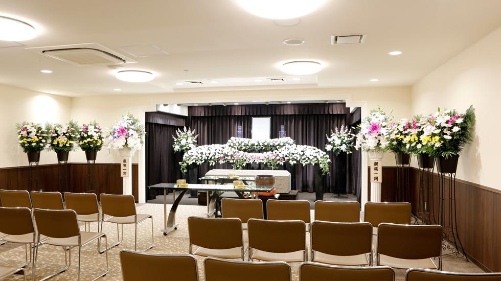 南大阪祭典の式場の写真。4つの式場はサイズや趣が異なり規模に合わせた葬儀が可能。