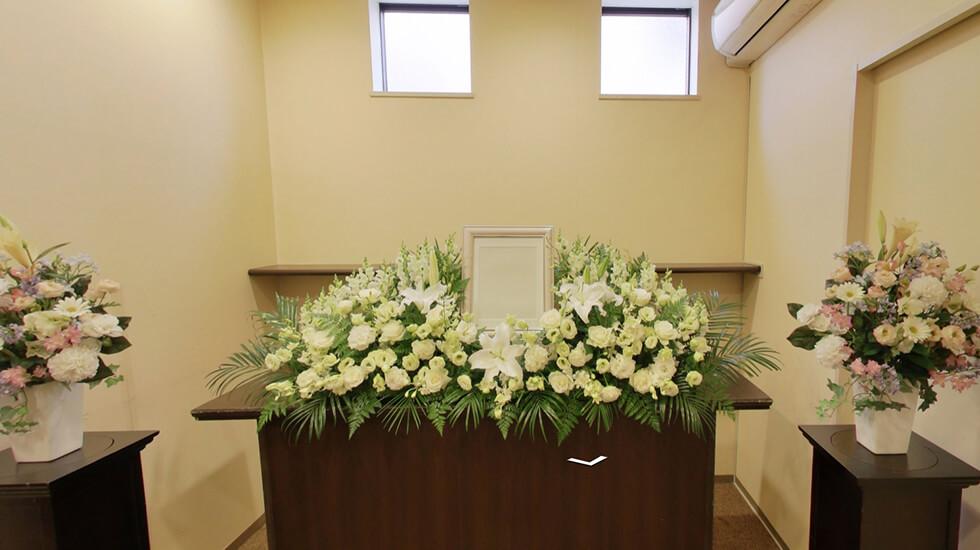 コムウェルホール高円寺の式場の写真。身内だけの家族葬を行う式場