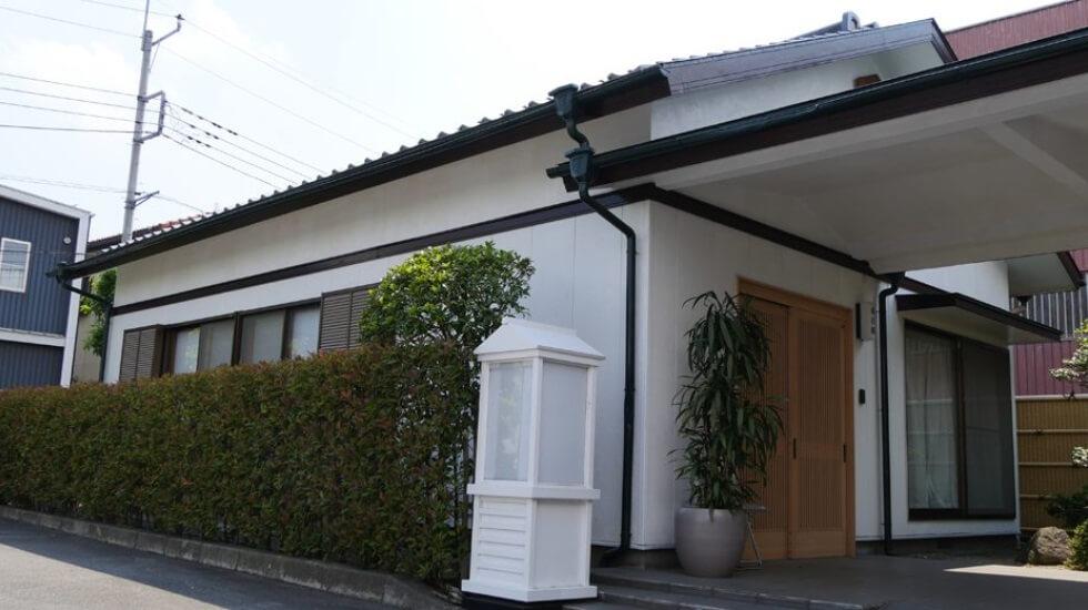 高崎メモリードホールの親族控え室。式場とは離れた別邸となっているため、プライベート空間として使用できる