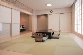 ウィズハウス清田の親族控え室。畳敷きの落ち着いた雰囲気の和室で参列者の宿泊も可能