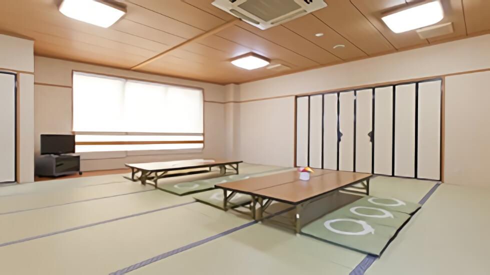 ティア守山の親族控室。30畳を超える和室の控室でプライベートを守ることができる