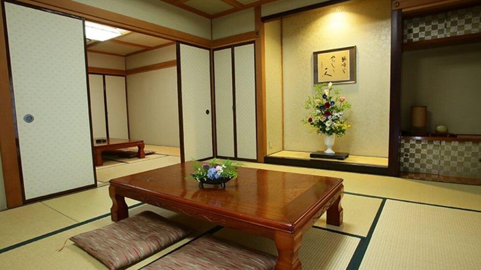 メモリード高崎典礼会館の親族控え室は和室の設計。キッチン・浴室・トイレを完備しており宿泊も可能