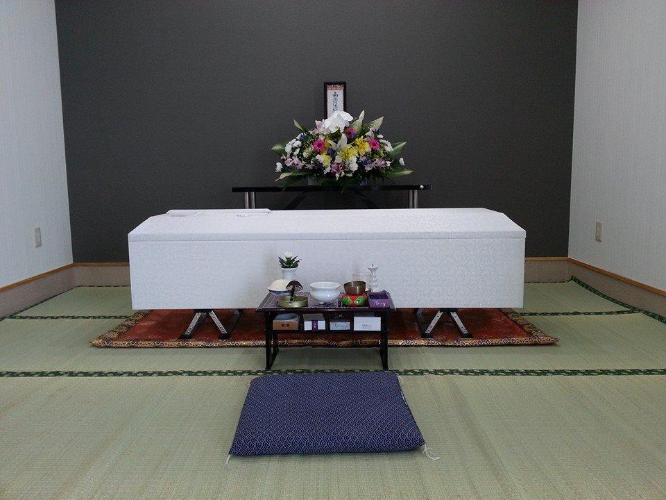 判田台会館のお別れ室。遺体の安置もできる小規模な葬儀式場