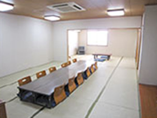 敬愛シビックホール堺の遺族控室。畳敷きの和室でゆっくり落ち着ける雰囲気
