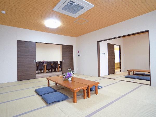 ディアネス豊平の親族控室。畳敷きの和室でゆっくりできる。浴室完備で宿泊も可能
