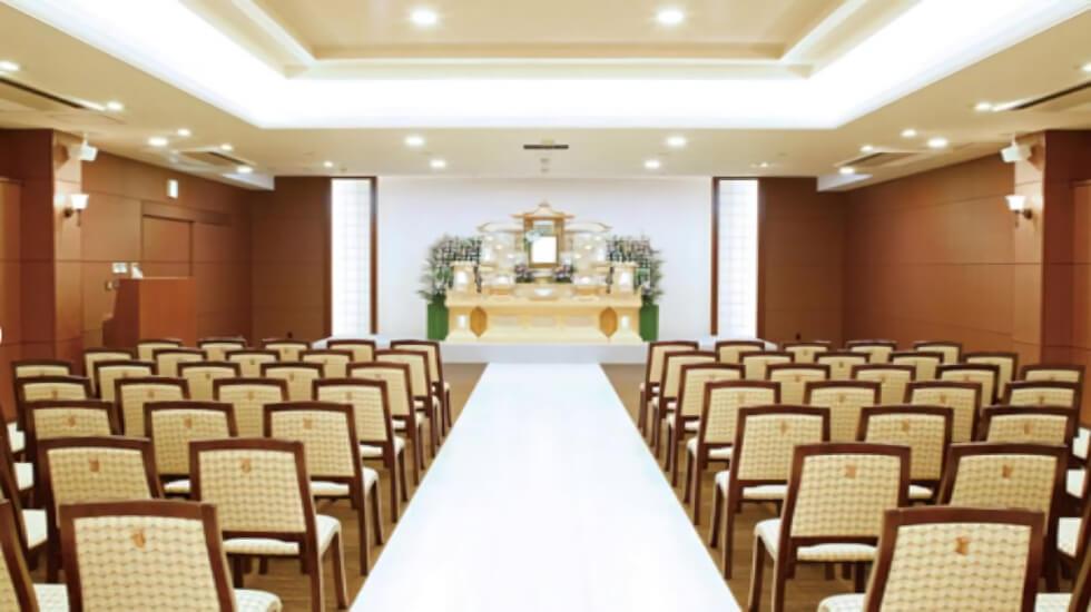 イズモホール浜松東の葬儀式場。バリアフリー対応で高齢者や車椅子の方も利用しやすい