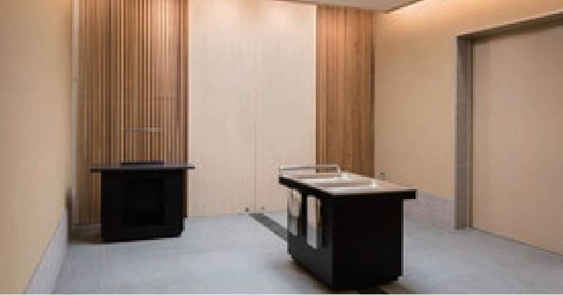 秦野斎場の収骨室。館内に4つある収骨室は、故人の身体が大地に還る場を演出している