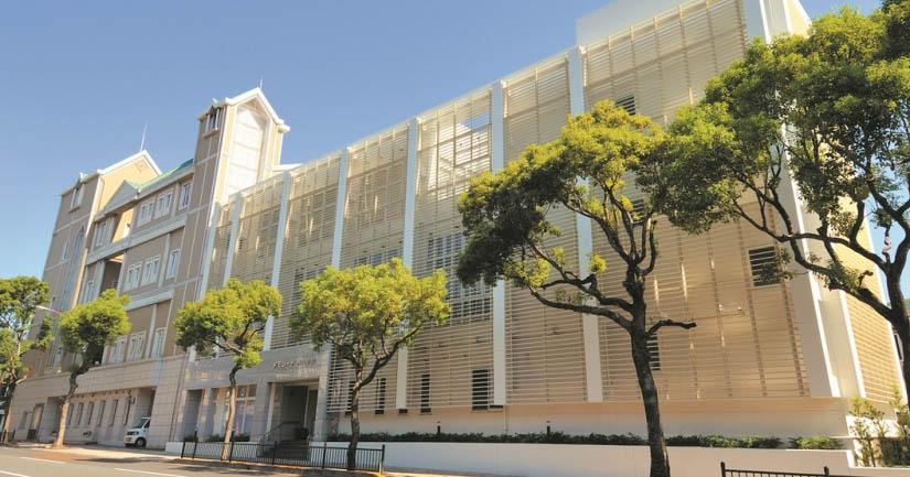 長崎市の葬儀場「メモリード典礼会館」の外観写真