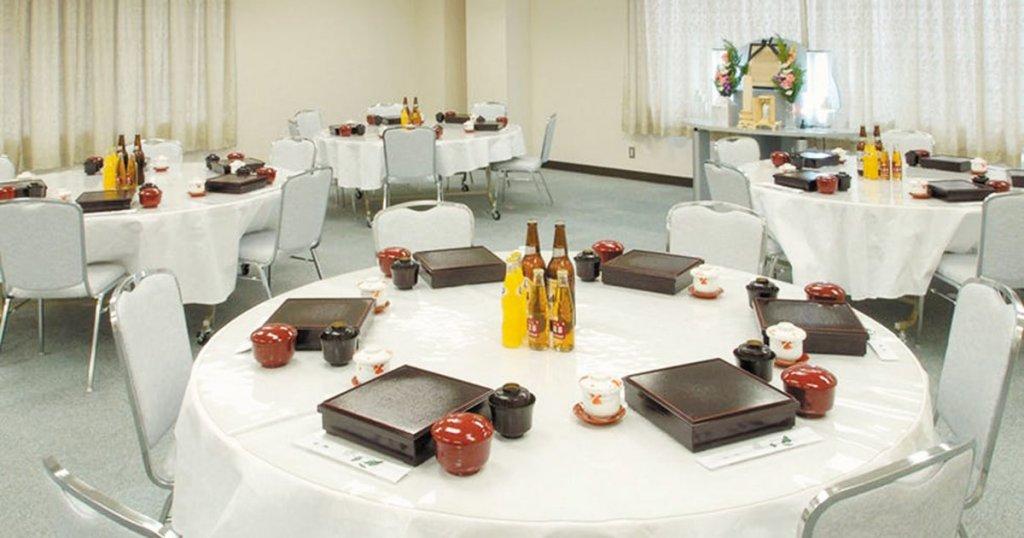 大阪市東淀川区の民営斎場「吹田大阪祭典」会食室