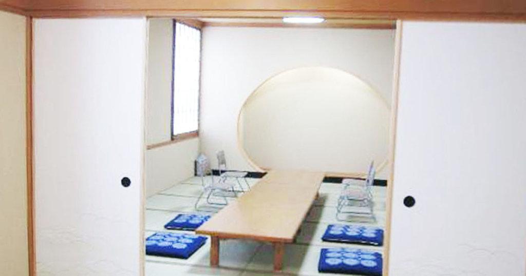 摂津市の公営斎場「せっつメモリアルホール」親族控室