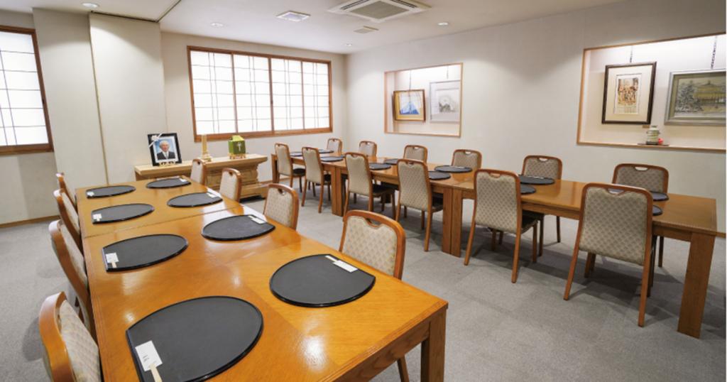 佐賀市兵庫町の民営斎場「北佐賀草苑」会食室