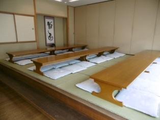 つくばメモリアルホールの待合室の内観。和室と洋室の2タイプがあり、それぞれ定員は50名程度