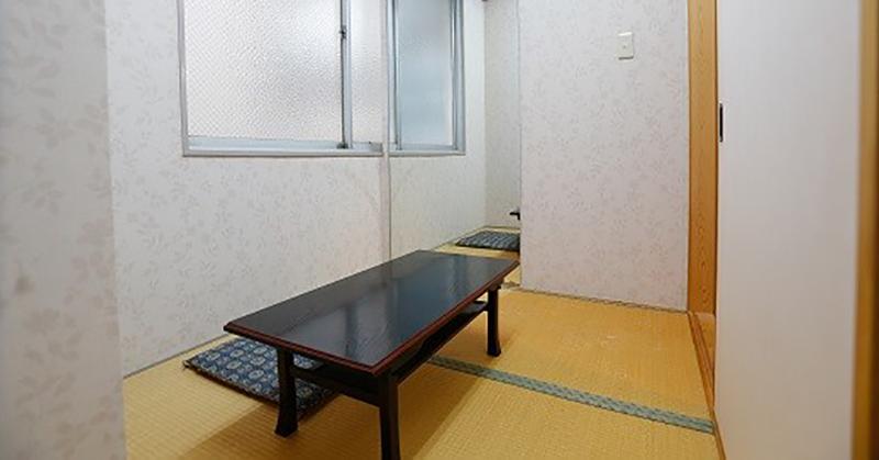 愛ホールの親族控え室。宿泊することもできる