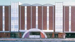 摂津市の公営斎場「せっつメモリアルホール」外観