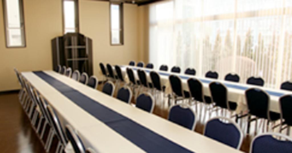 川口市の民営斎場「グリーンホールはとがや」食事室