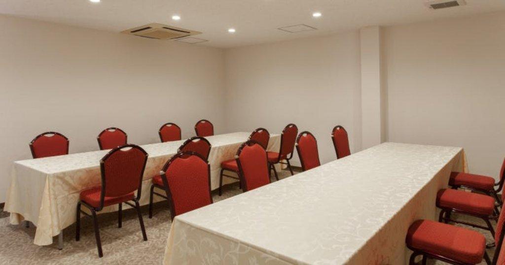川崎市麻生区の民営斎場「百合ヶ丘家族葬ホール」食事室