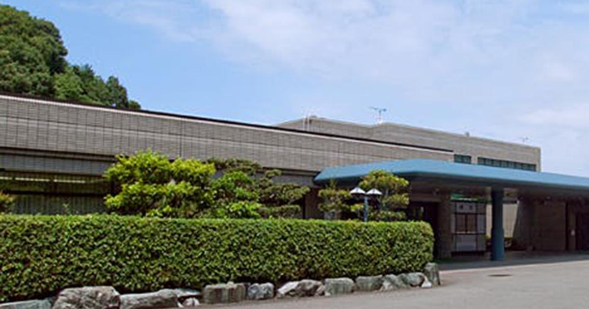 紀美野町の公営斎場「五色台聖苑」外観