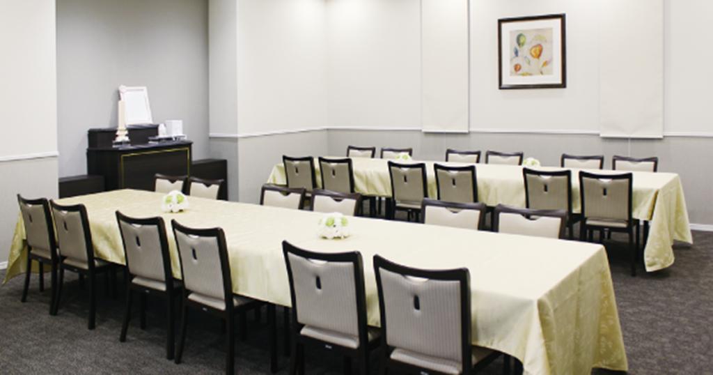 羽曳野市の民営斎場「羽曳野ファミリーホール」会食室