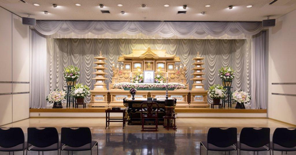 呉市の民営斎場「シティ・ホール広」葬儀式場