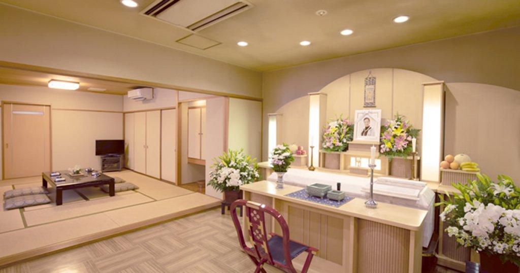 呉市の民営斎場「シティ・ホール広」親族控室