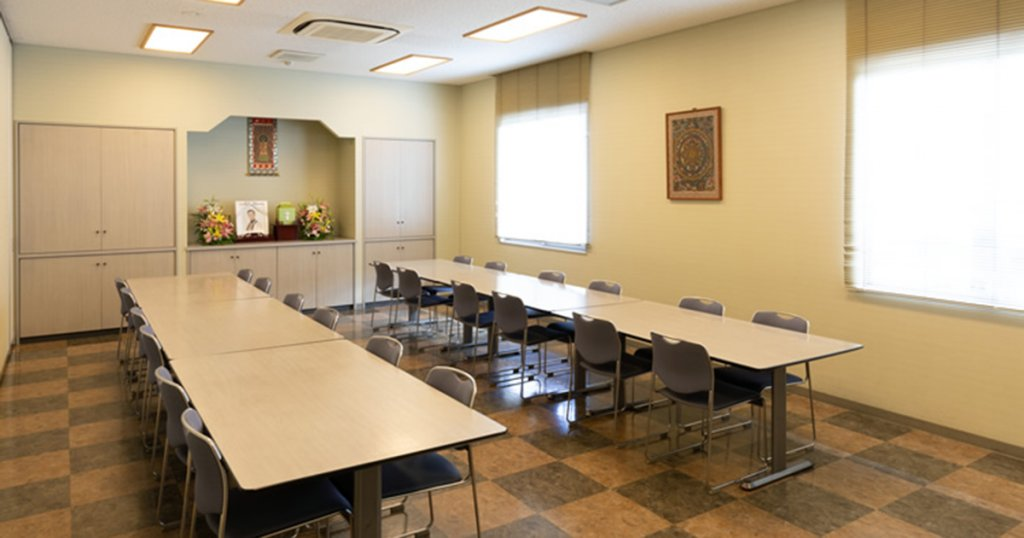 呉市の民営斎場「シティ・ホール広」会食室