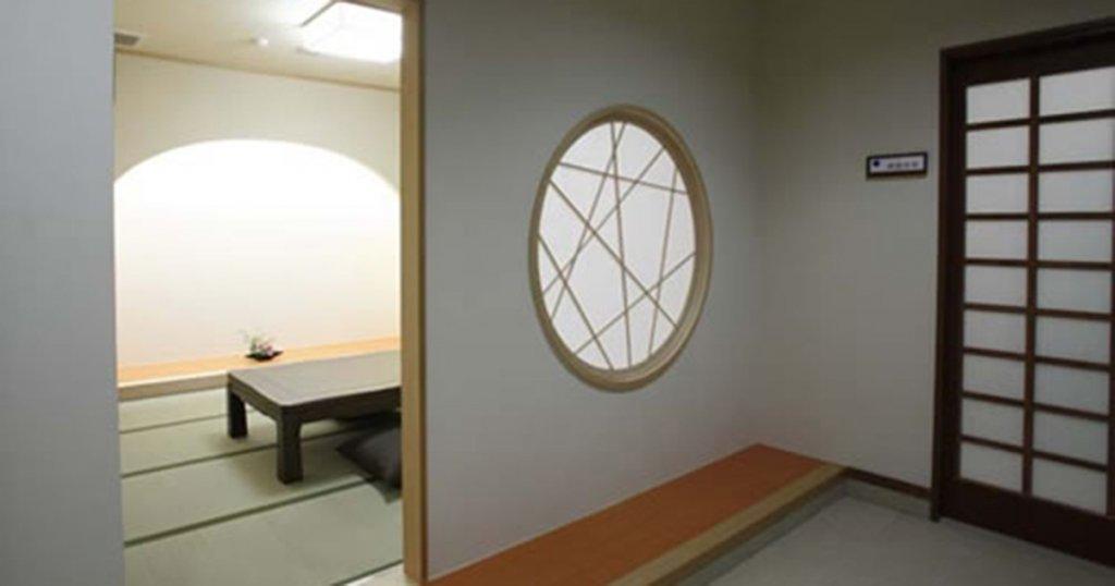 甲斐市の民営斎場「セレオホール甲斐」親族控室