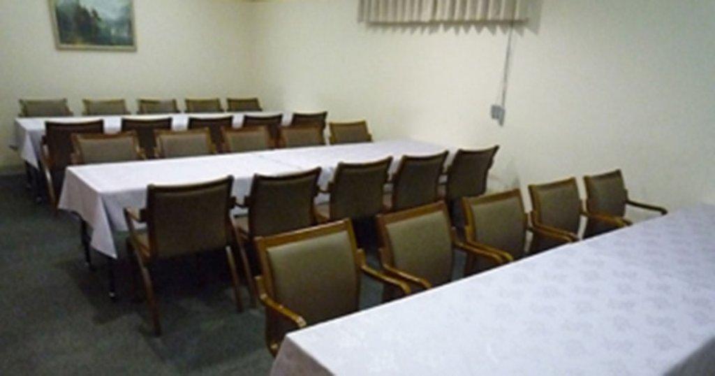 仙台市の民営斎場「セレモール小田原」食事室