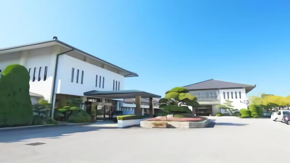 刈谷市にある公営斎場青山斎園の外観です。