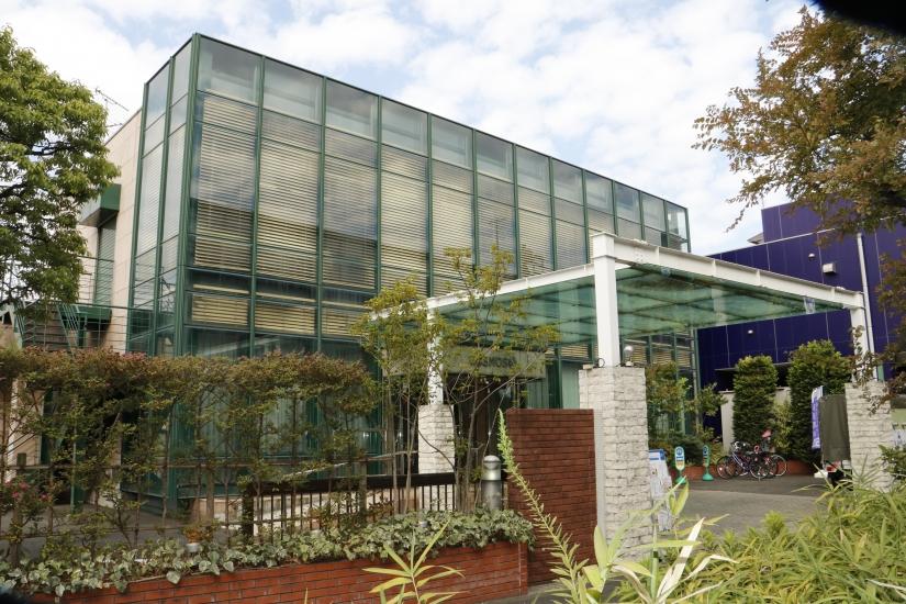 川崎市川崎区にある家族葬専門式場、家族葬のセレモニーハウスかわさき南部の外観です。
