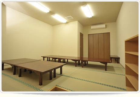 和室の仮眠室は葬儀時の控室としても利用できます。