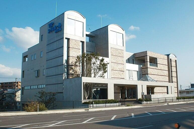 新潟市中央区にある民営斎場「VIPシティホール県庁前」