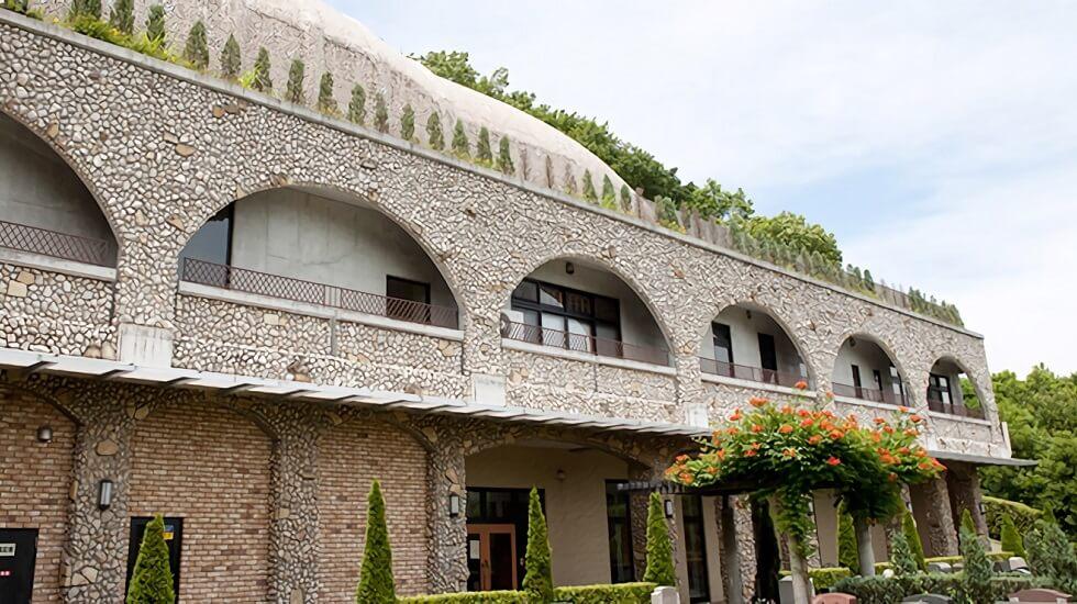 町田市にある民営斎場「多摩境フォーシーズンメモリアル」の外観
