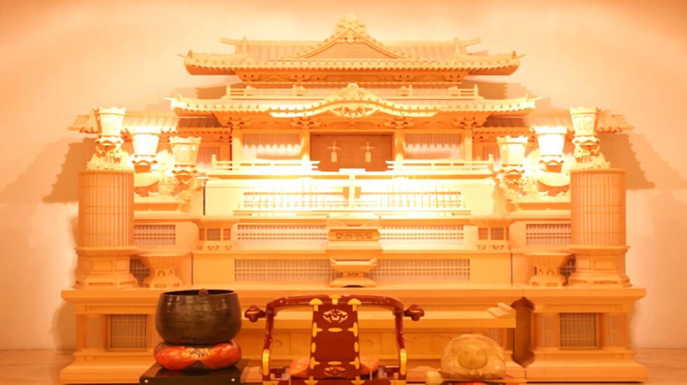 東山聖苑の白木祭壇