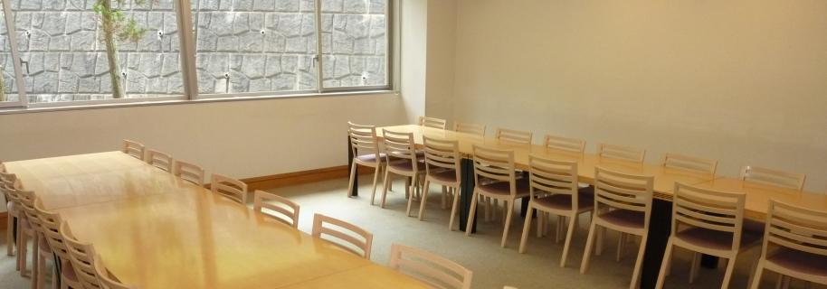 あだたら聖苑の待合室