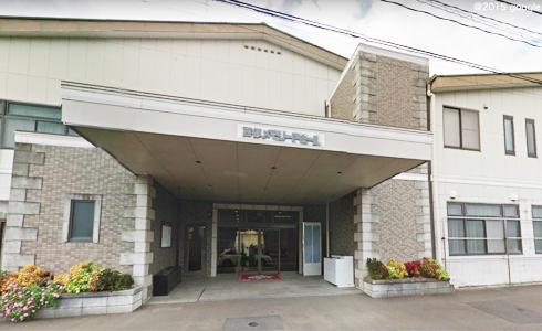 西都市にある民営斎場西都メモリードホールの外観です。
