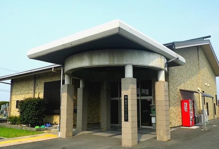 草津市東草津にある公営火葬場「草津市営火葬場」の外観です