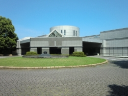 平塚市田村にある公営火葬場「平塚市聖苑」
