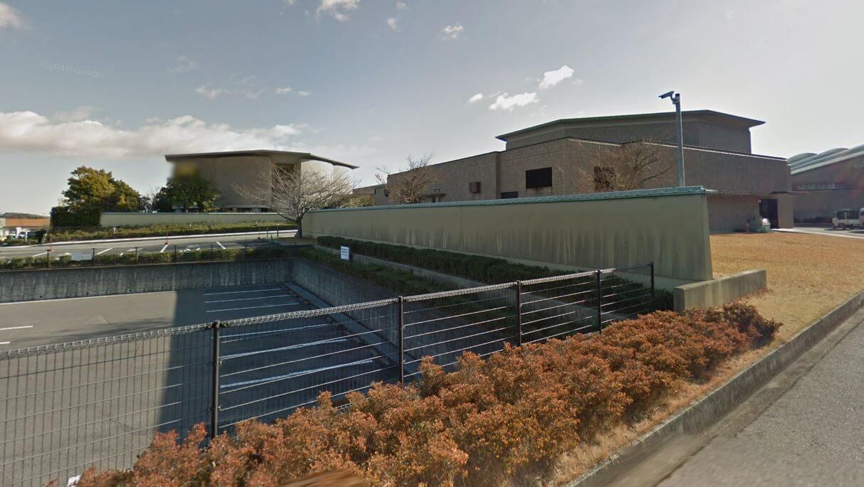 四日市市松本北大谷にある公営斎場「四日市市営 北大谷斎場」の外観