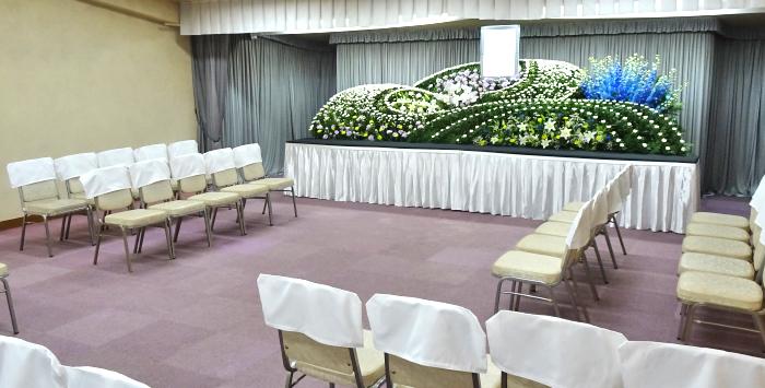 はら南会館の葬祭式場、60席まで収容可能