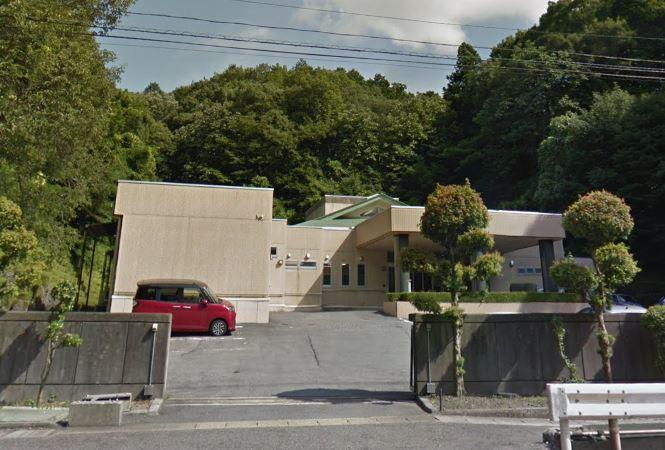 不破郡関ケ原町にある公営斎場「関ヶ原斎苑」の外観です