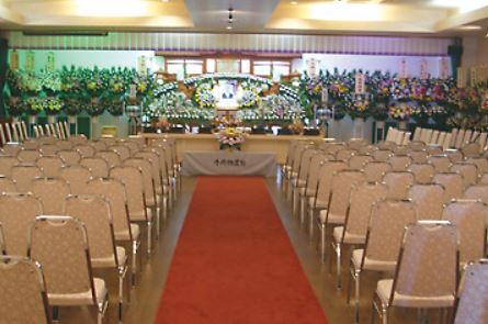 セレモニードーム北群の葬儀ホールです