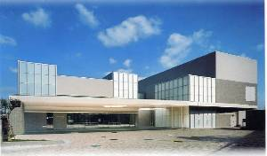尼崎市立弥生ケ丘斎場の外観です