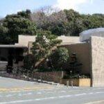 浜松市西にある公営斎場「浜松市 雄踏斎場」の外観です