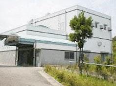亀岡市下矢田町にある公営火葬場「亀岡市営火葬場」の外観です