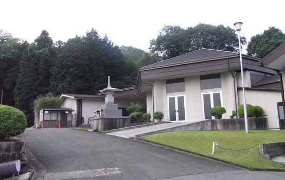 桜井市外山にある公営火葬場「桜井市火葬場」の外観です