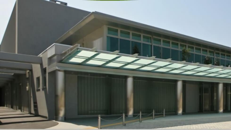 枚方市車塚にある公営斎場「枚方市立やすらぎの杜」